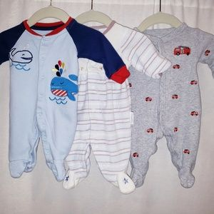 Set of 3 footies, newborn/preemie